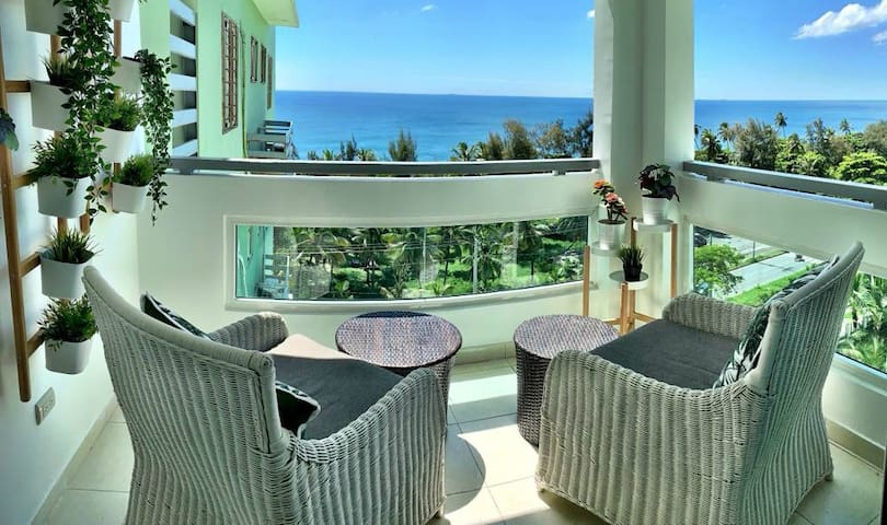 Beautiful Ocean View Apartment, King Size Bed...