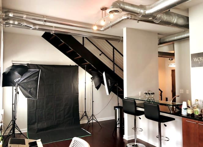 (KING BED) BEST ATL LUXURY LOFT W/PHOTO STUDIO