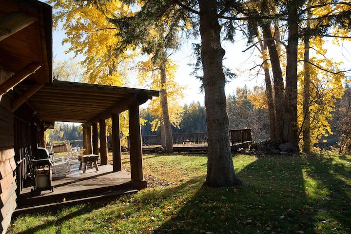 Relaxing Riverside Cabin 1