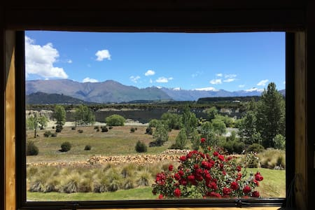 Wanaka Horseshoe River House - Albert Town - Hus