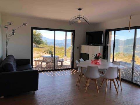 Joli appartement Vue sur le lac de Serre-Ponçon