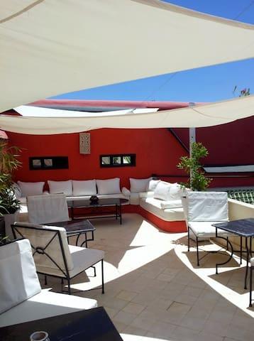Riad Libitibito Bed and Breakfast piscine et wifi. - Marrakesh - Bed & Breakfast
