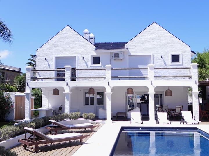 Beautiful House pool barbecue La Barra 6 suites