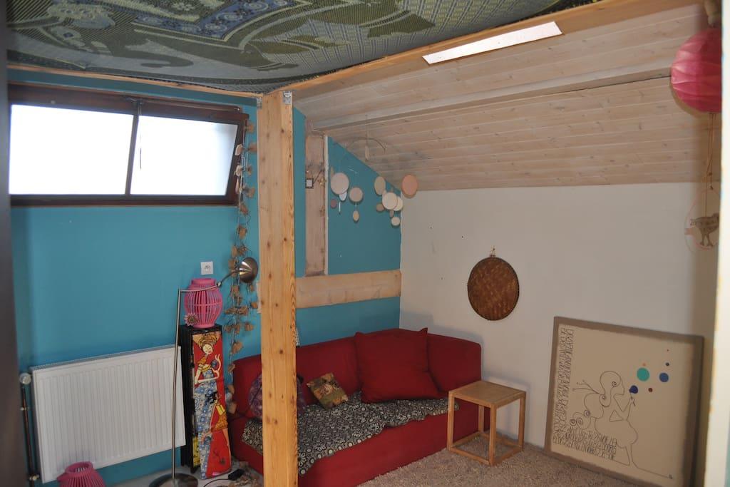 chambre dans maison avec jardin maisons louer chamb ry rh ne alpes france. Black Bedroom Furniture Sets. Home Design Ideas