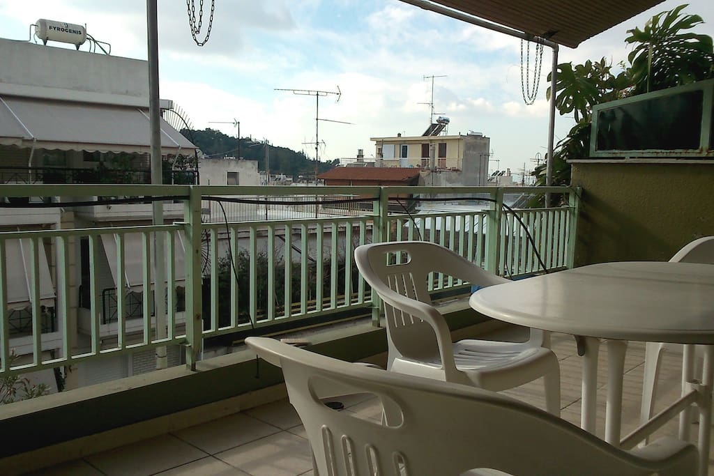 Cozy apartment in athens appartements louer athina for Terrazza sessel 0430