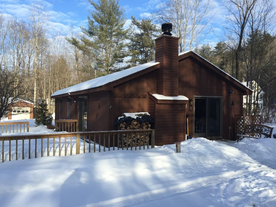 Winter: easy access to the cabin; well-plowed roads