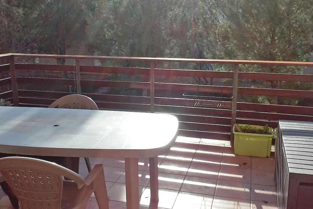 Aix en p 3 pces terrasse piscine apartments for rent for Piscine miroir aix en provence