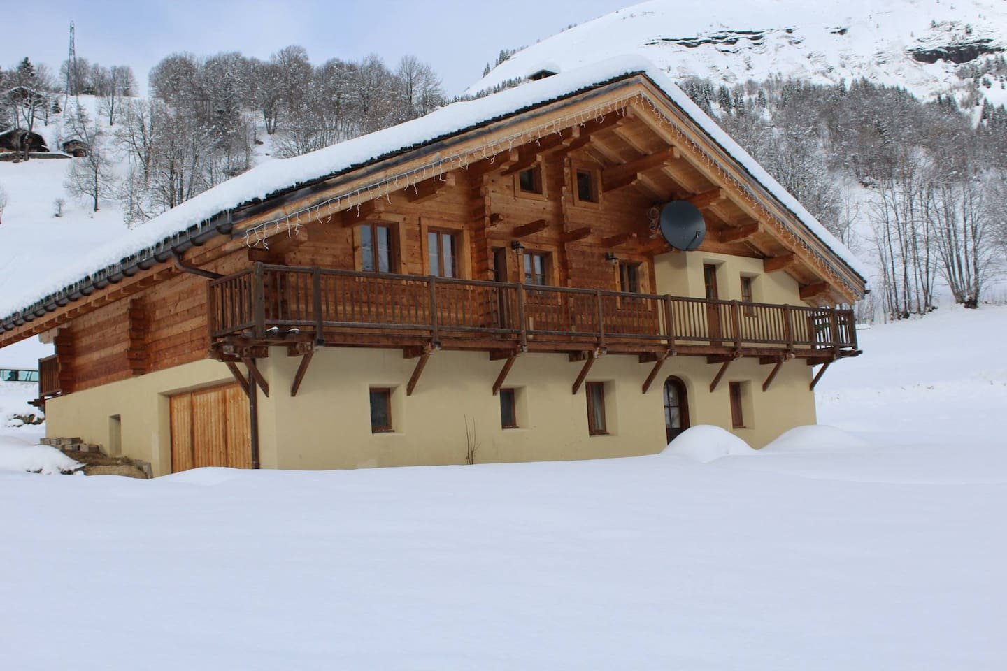 Chalet Very Joly in Winter