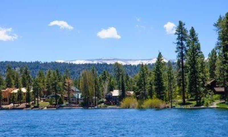 Beautiful Single King Bed #18 in Big Bear resort - Big Bear Lake - Huoneisto