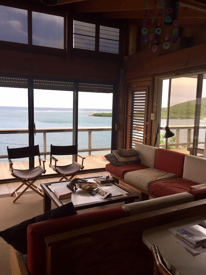 """Casa """"19"""": Architect-designed home w/perfect view"""