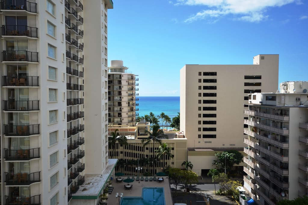 Ocean view from the lanai (mid-day); only 2 short blocks to the sandy beach!
