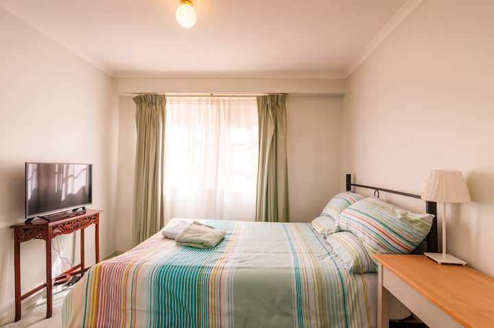 Cozy room in the heart of Braddon