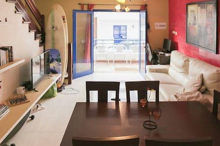 Modern house in Famara beach - Caleta de Famara - Hus