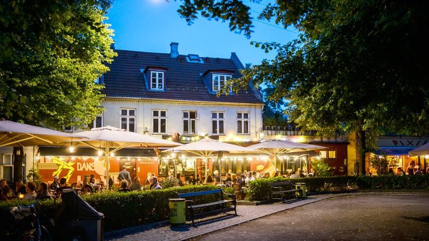 Bopa Plads - Cafes