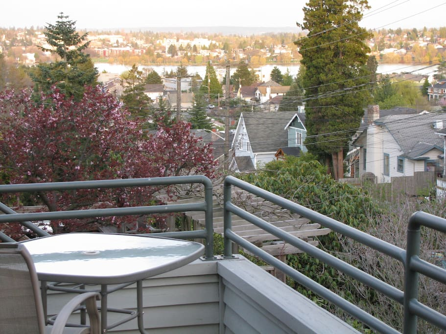 Eat out on the deck overlooking Greenlake and Cascade Mountains