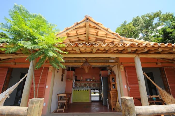 Suítes e cozinha aberta
