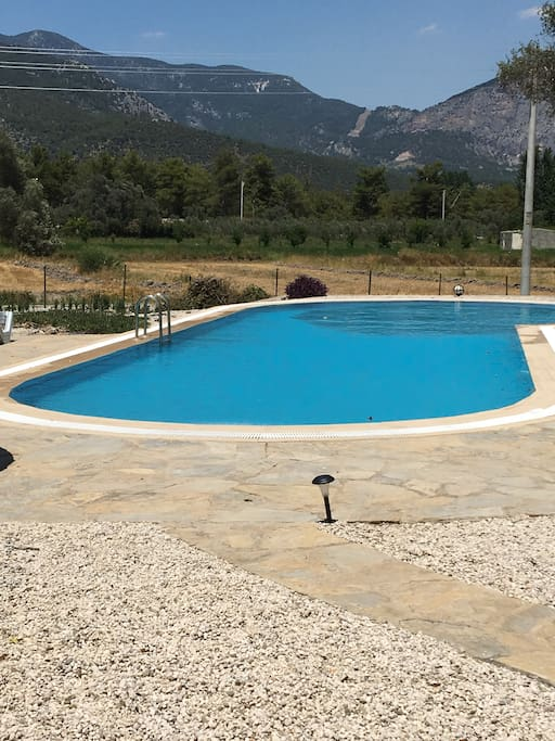Gorgeous 18m pool (14th May - 30th September)