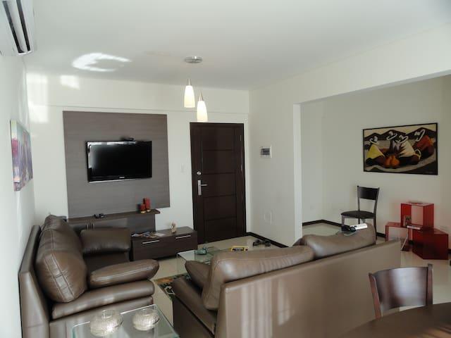 Alquiler temporal dia , semana, mes - Santa Cruz de la Sierra - Apartment