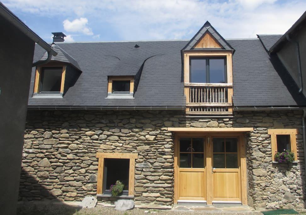 Façade de la maison, entrée principale