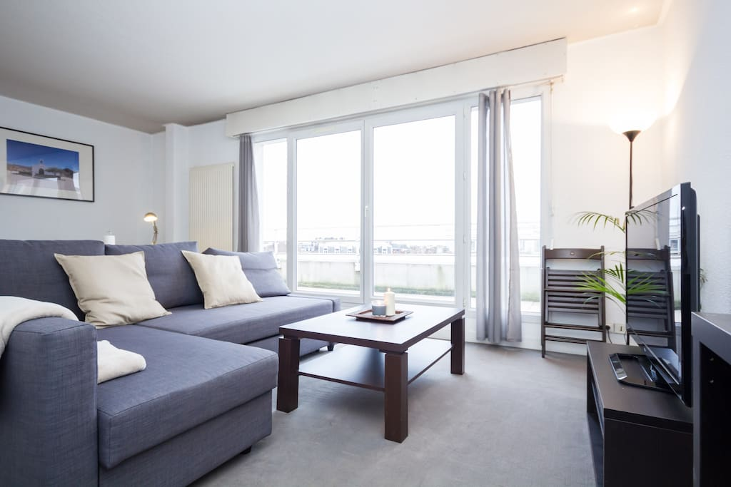 t2 lumineux et central avec parking appartements louer lille nord pas de calais france. Black Bedroom Furniture Sets. Home Design Ideas