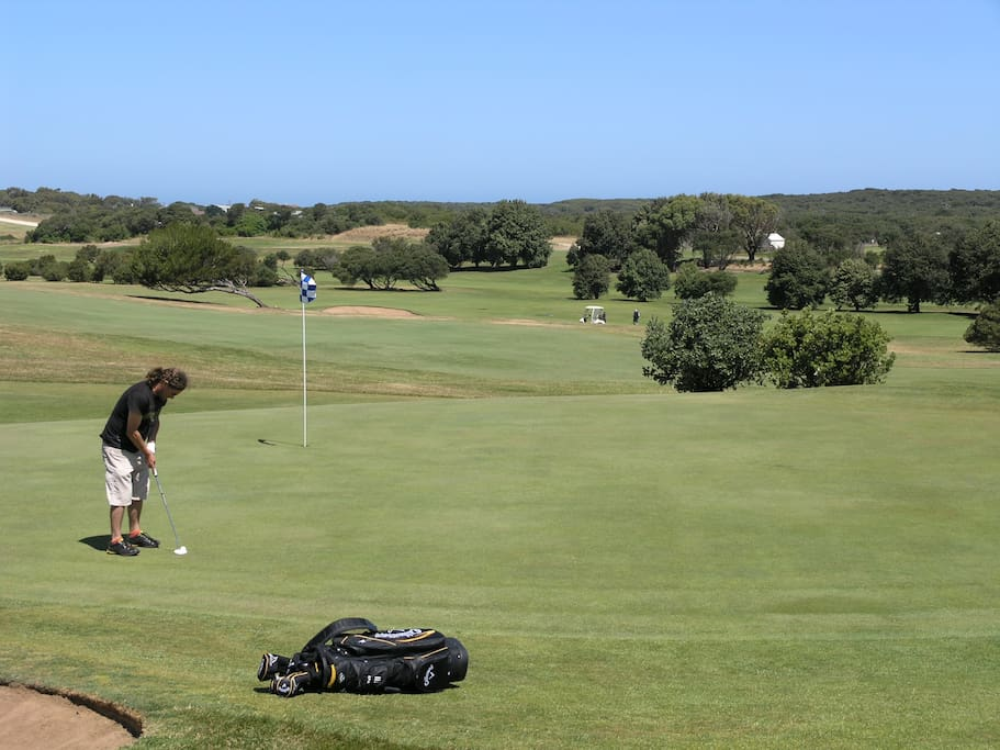 Roshnier shares a boundary with the Warrnambool Golf course.