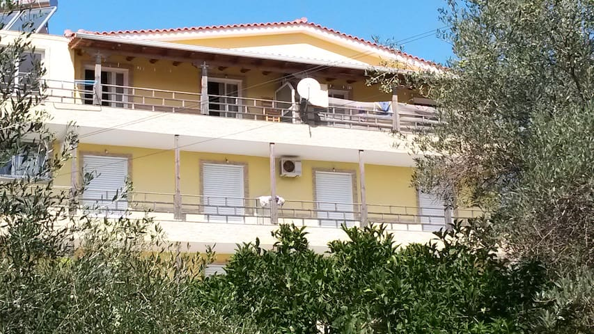 Easy Stay 30m from the Sea - Himarë - Hus