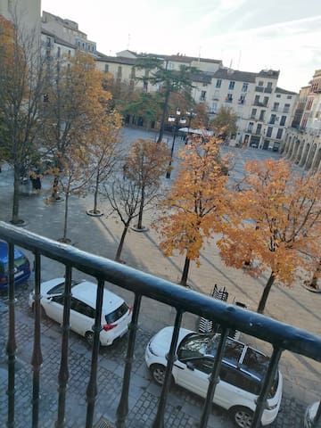 DUPLEX A ESTRENAR EN PLAZA DEL MERCADO