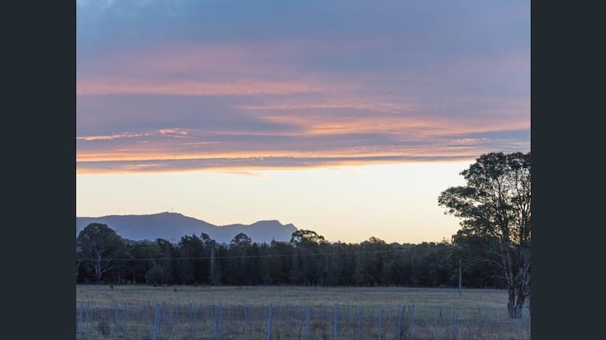 Lovedale's Red Gum Cottage. - Lovedale - Bed & Breakfast