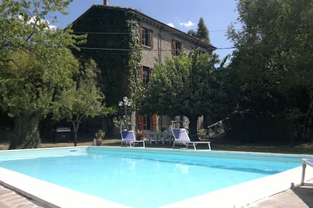 5 BR villa, private pool, garden, wifi, Tuscany - San Romano in Garfagnana