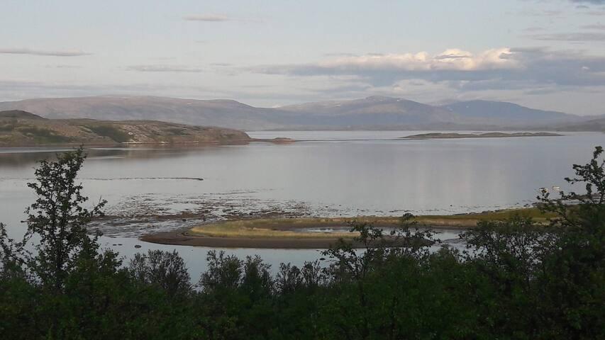 Natur, fiske og nordlys i Igeldas