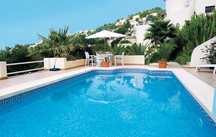 Holiday cottage with 2 bedrooms on 92 m² in Altea La Vella