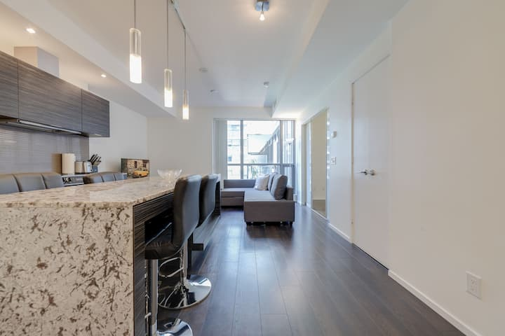 Ent. District & CN Tower - 1BR + Sofabed