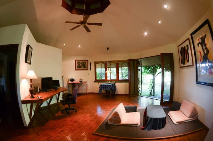Quiet bungalow for creative-lotus pond