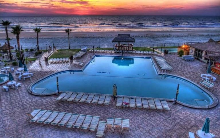 Hawaiian Inn 329 Direct Oceanfront - Daytona Beach - Apartment