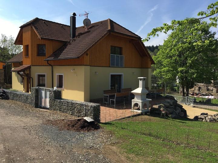 Moderni prazdninovy dům v Českem lese