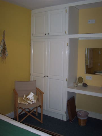 Buttermilk Lodge Self Catering Apartment - Clifden - Appartement