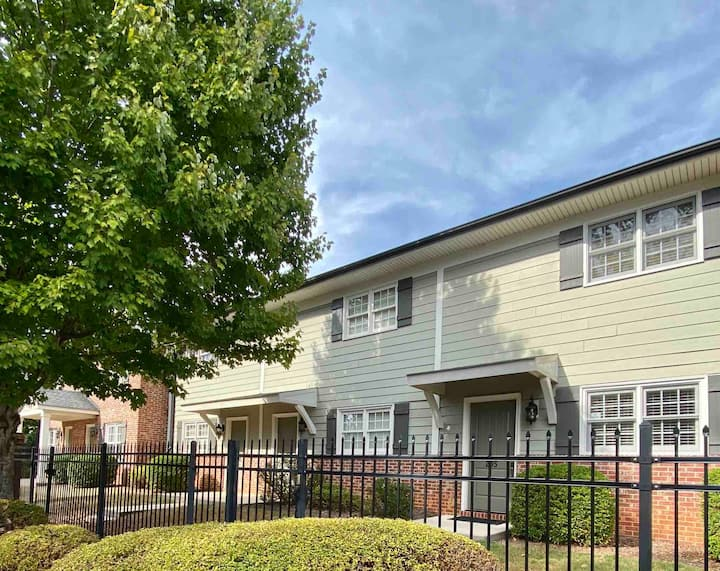 Townhome. Style & Comfort. Easy Downtown Walk.