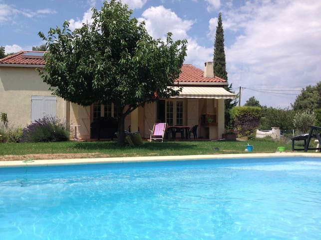 Nice house with pool in the heart of Provence - Mimet