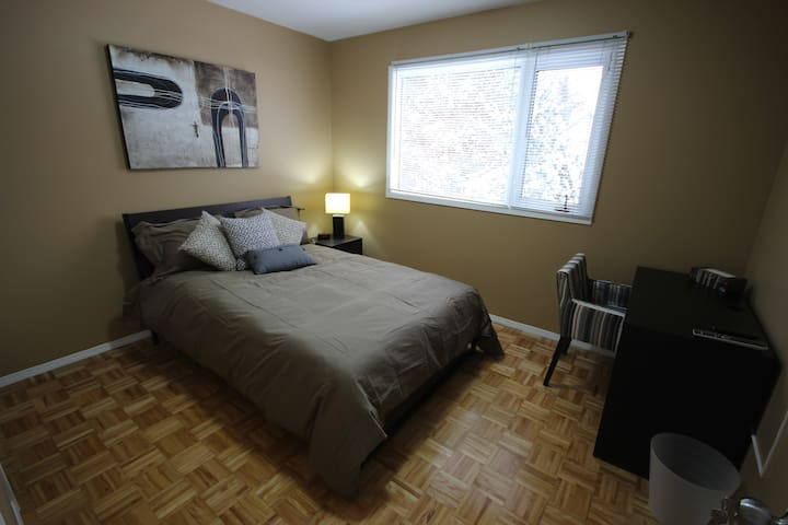 Warm and Comfy Room 2