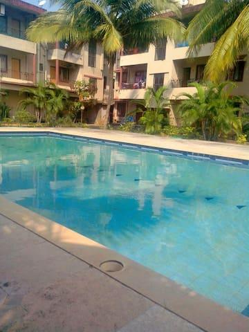 Exotic Holiday Home - Siolim - Apartemen