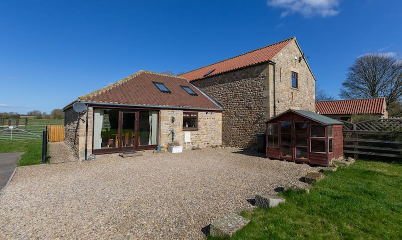 Brewery Barn countryside views luxury pet friendly
