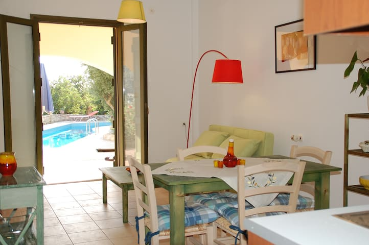 MARILENA (A5) 1 bm apt. Pool. Great view - Gavalohori - Apartament