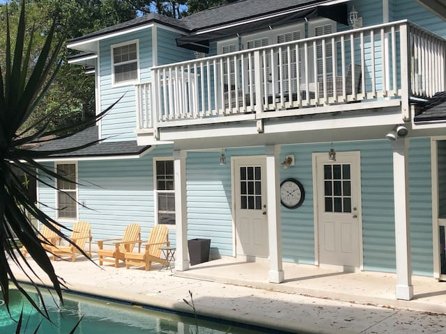 Private Pool House in South Tampa