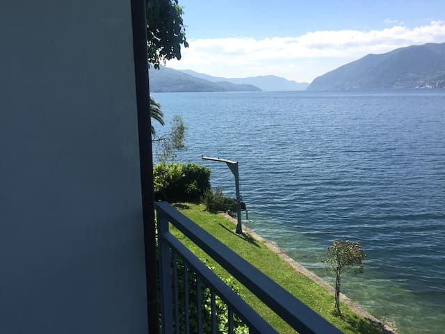 Charming house by the lake - Vello - Bed & Breakfast