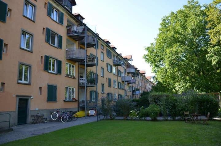 Privates Zimmer in Unmittelbarer See-Altstadtnähe