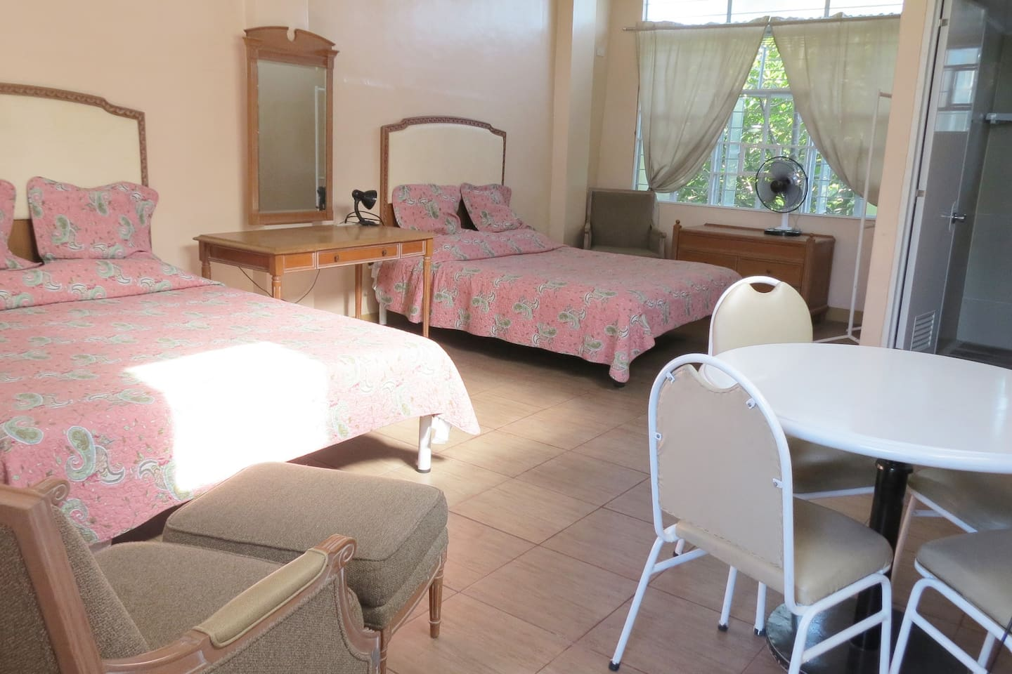 2 Double Beds for 2-4 persons