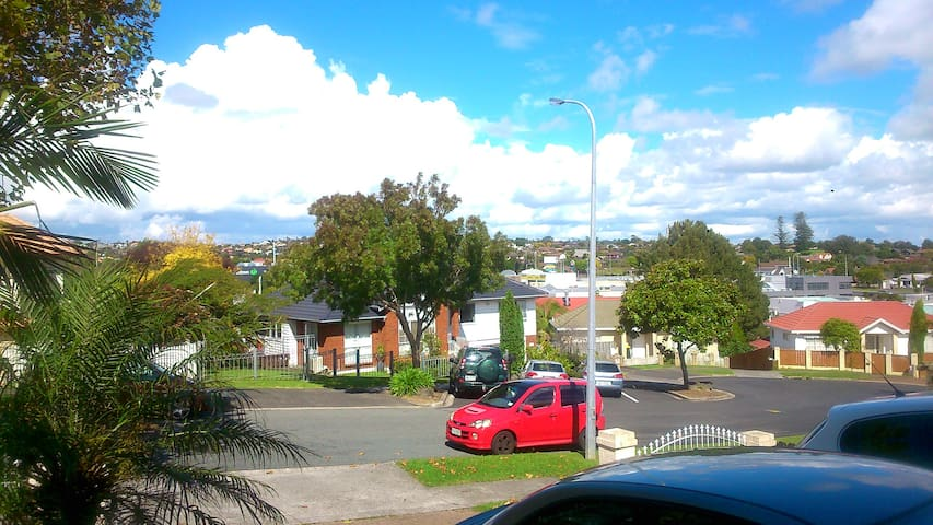 Lovely, your home in Auckland