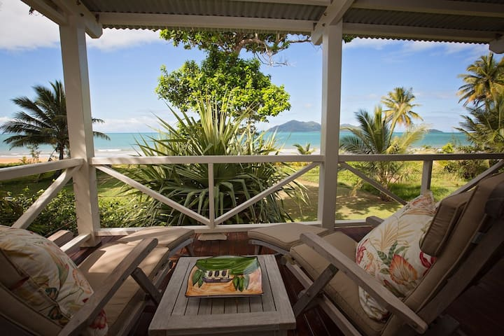 Windjana - Luxury 4 BR - Absolute Beachfront