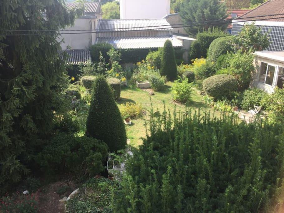 Vue sur le jardin commun