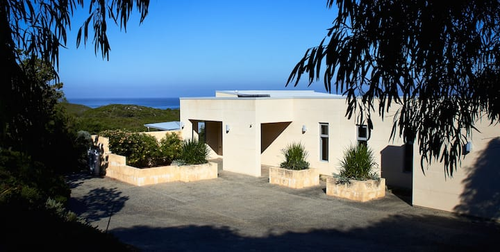 Gnarabup on Baudin - luxury home by the sea